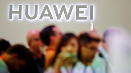 Huawei-Logo auf der Internationalen Funkausstellung in Berlin im September 2019