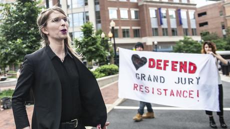 Chelsea Manning am 16.05.19 vor ihrer Anhörung zum Fall WikiLeaks in Alexandria im US-Bundestaat Virginia.