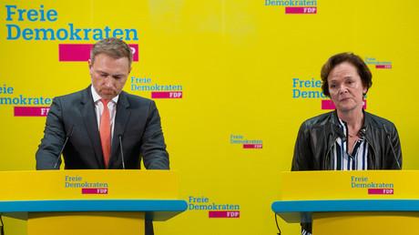Enttäuschte Gesichter: FDP-Chef Christian Lindner und die FDP-Spitzenkandidatin für die Hamburger Bürgerschaftswahl Anna von Treuenfels-Frowein sprachen Stunden vor der Verkündung des vorläufigen amtlichen Endergebnisses im Hans-Dietrich-Genscher-Haus in Berlin mit der Presse.