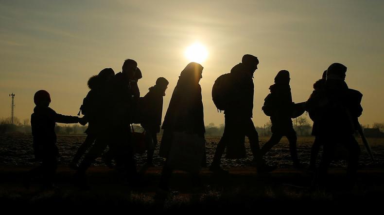 Tausende Migranten an türkisch-griechischer Grenze – Griechenland verstärkt Einheiten