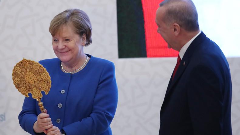"""""""Rücksichtslose Angriffe"""" – Merkel kondoliert Erdoğan nach Verlusten in Idlib"""