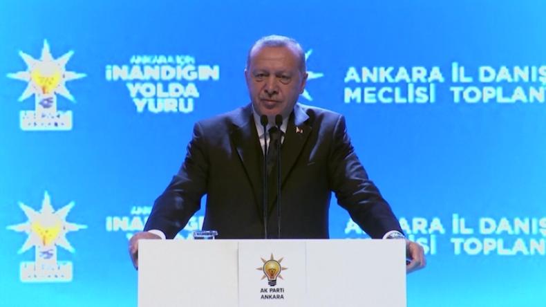 Erdoğan: Bald schon werden Millionen Migranten an den EU-Grenzen stehen