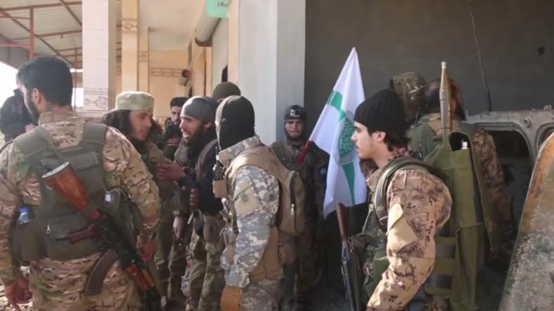Syrien: HTS-Terroristen rüsten für Offensive gegen syrische Armee – Wir werden siegreich sein