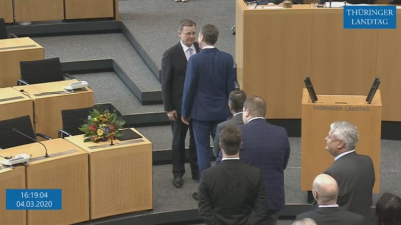 Bei Amtsantritt: Bodo Ramelow lehnt Handschlag von Björn Höcke ab