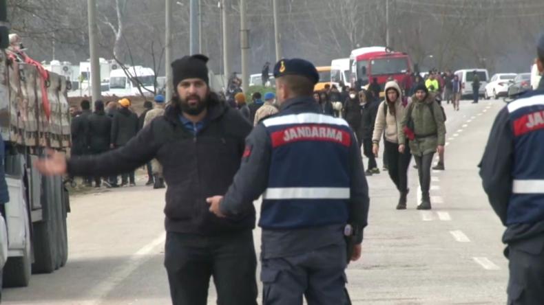 Türkei: Gestrandete Migranten erklären, in welches EU-Land sie wollen