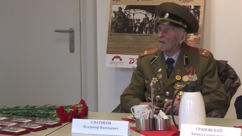 Rostock: Bürgerschaftpräsidentin empfängt und würdigt Veteranen und Opfer der Leningrader Blockade