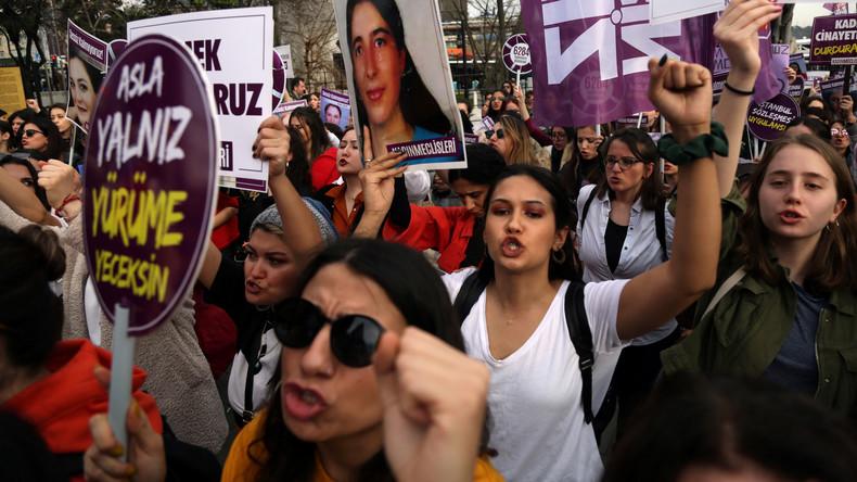 """LIVE: """"Keine Gewalt gegen Frauen!"""" – Demonstration in Istanbul zum Internationalen Frauentag"""