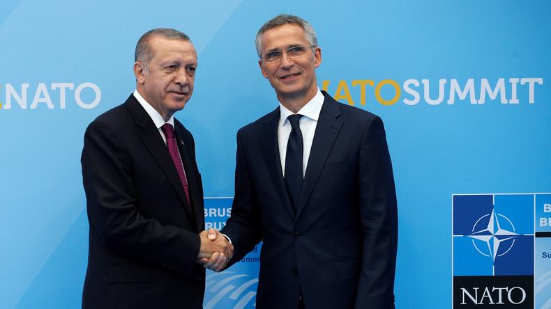 LIVE: Pressekonferenz von Stoltenberg und Erdoğan in Brüssel