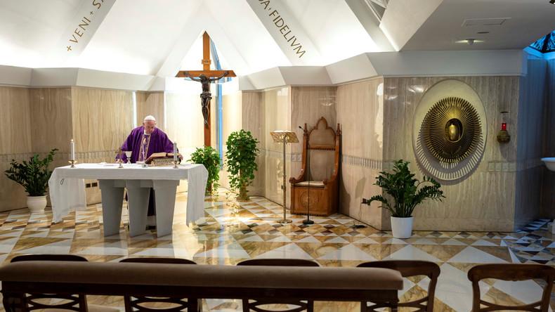 Ob beim Papst oder in Mekka: Corona-Virus fegt die Plätze leer (Fotos)