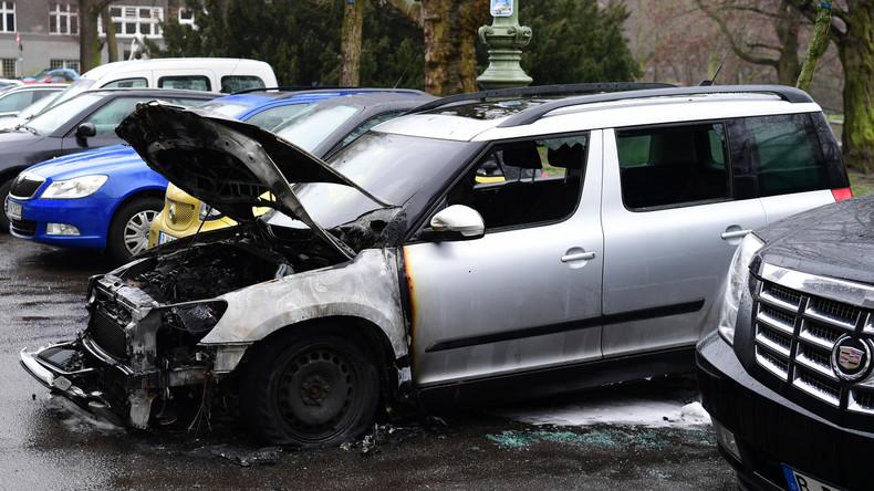 Auto des Berliner AfD-Vorsitzenden in Flammen – Verdacht auf Brandstiftung