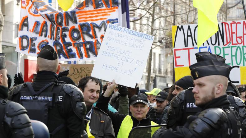 LIVE: Gelbwesten protestieren am Tag vor den französischen Kommunalwahlen in Paris