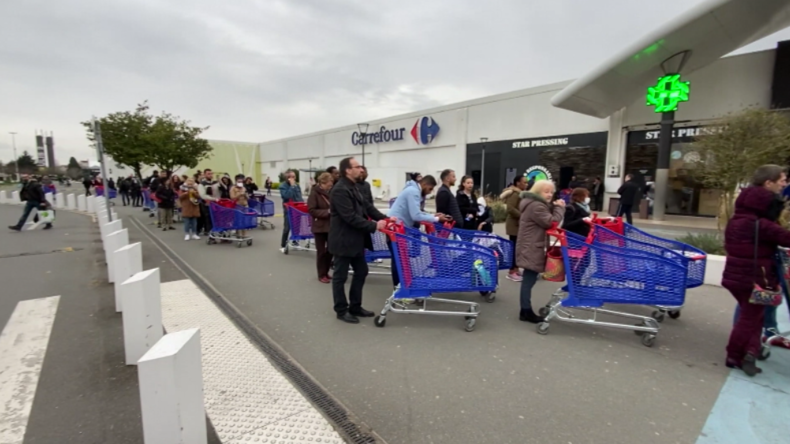Frankreich: Anordnung von zweiwöchiger Corona-Ausgangssperre löst heftige Einkaufswelle aus