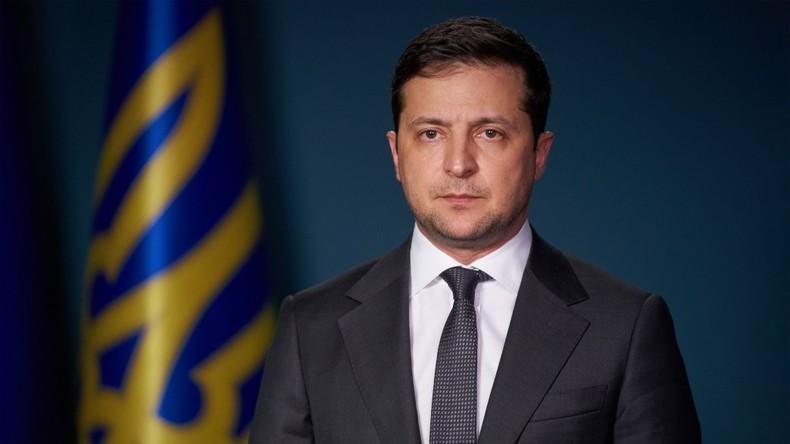"""""""Ich habe Erika getötet"""": Ukrainischer Sender zeigt Selenskij-Rede mit Untertiteln eines TV-Krimis"""