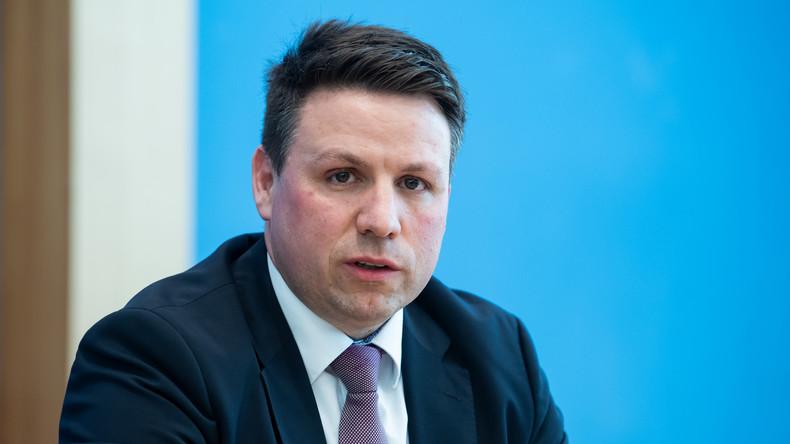 BMI-Sprecher: Deutschland setzt humanitäre Flüchtlingsaufnahme aus