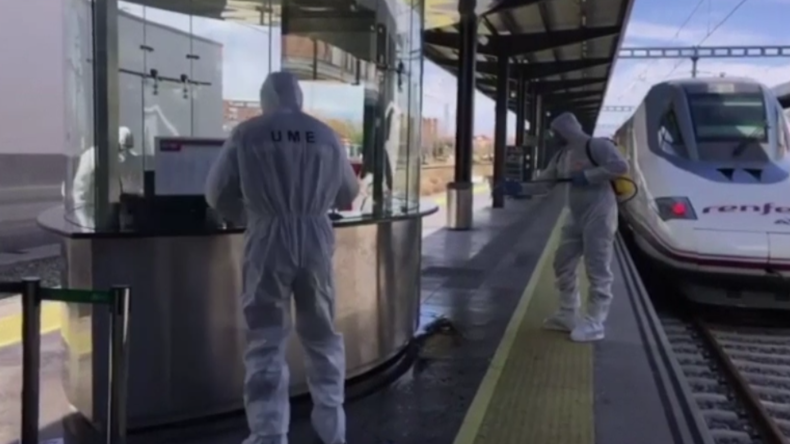 Spanien: Militär startet Massendesinfektion an Verkehrsknotenpunkten und Bahnhöfen