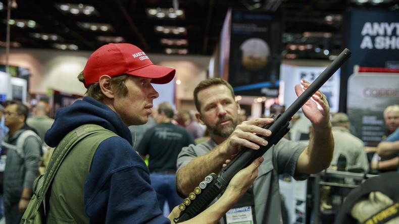Gewehr statt Klopapier: US-Amerikaner kaufen wegen Corona-Krise vermehrt Waffen
