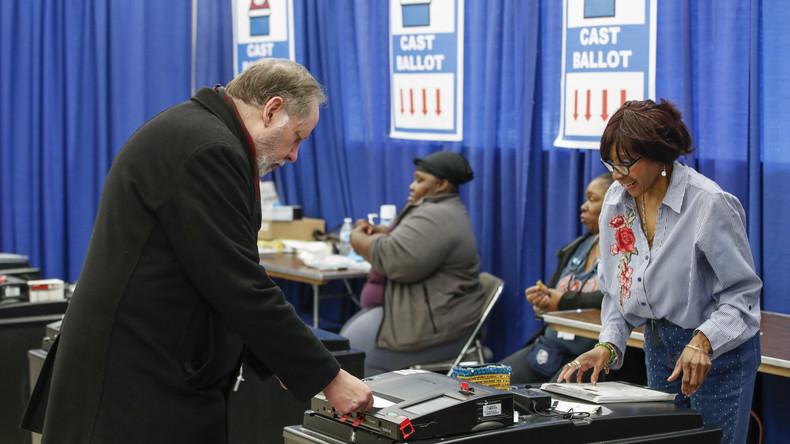 USA: Demokraten wollen die Vorwahl nicht wegen Corona unterbrechen (Video)