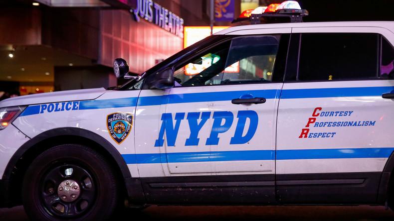 Zum zweiten Mal erwischt? New Yorker Polizist legt Unschuldigen Marihuana ins Auto