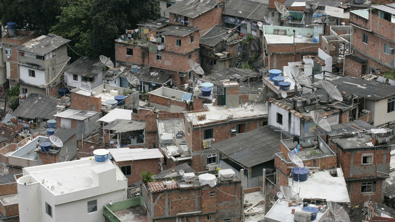 Weil Bolsonaro untätig bleibt: Kriminelle Gangs verhängen Corona-Ausgangssperren in Rios Favelas