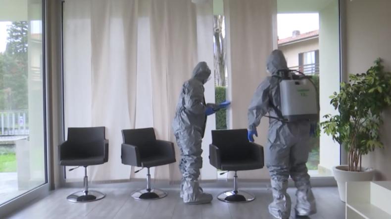 Italien: Russische Hilfeteams desinfizieren Altenheime, um Coronavirus zu bekämpfen