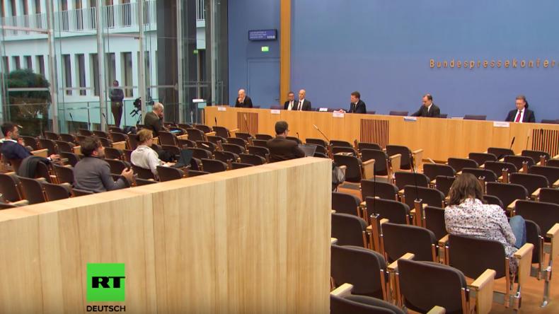 Fake-News-Kampagne gegen RT Deutsch: Nachgehakt auf der Bundespressekonferenz