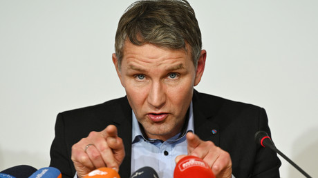 Björn Höcke, Vorsitzender der AfD-Fraktion im Thüringer Landtag, hier am 26.02.2020 bei einer Pressekonferenz in Erfurt: Nun will Höcke am 4. März bei der erneuten  Ministerpräsidentenwahl kandidieren.
