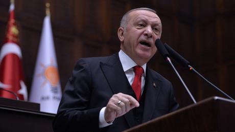 Der türkische Präsident Recep Tayyip Erdoğan nutzt immer wieder gerne martialische Worte, um seinen Anliegen Nachdruck zu verleihen, (Symbolbild)