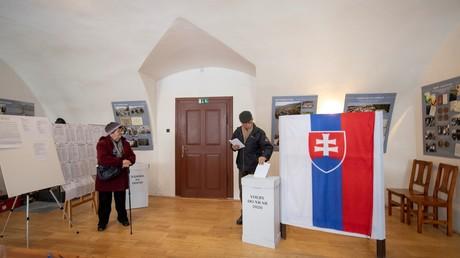 Wähler in einem Wahllokal am Samstag