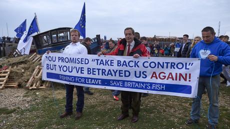 Der ehemalige UKIP-Chef Nigel Farage nahm an einem Protest von britischen Fischern teil, die einen vollständigen Abzug Großbritanniens aus der Fischereipolitik der EU forderten (Bild vom 08.04.18).