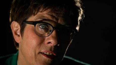 Bundesverteidigungsministerin Annegret Kramp-Karenbauer wirbt wieder für eine