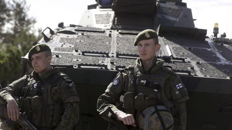 Finnische Soldaten bei einer multinationalen NATO-Übung in Lettland