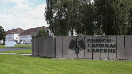 Liegenschaften der Bundeswehr werden für viel Geld von externen Dienstleistern gesichert. Symbolbild: Kaserne in Hannover.
