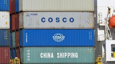(Symbolbild). Container der chinesischen Unternehmen China Shipping und COSCO (China Ocean Shipping Company) am 11. März 2020 im Hafen in Hamburg.