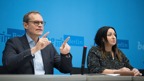 Berlins Regierender Bürgermeister Michael Müller (SPD) und Gesundheitssenatorin Dilek Kalayci (SPD) auf einer Pressekonferenz am 11.03.2020 zum Thema Corona-Virus: Der Stadtverwaltung wird zaghaftes Handeln vorgeworfen.