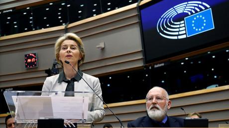 Die Präsidentin der Europäischen Kommission Ursula von der Leyen stellt den Green-Deal-Plan während einer außerordentlichen Sitzung dem Europäischen Parlament vor, Brüssel, Belgien, 11. Dezember 2019