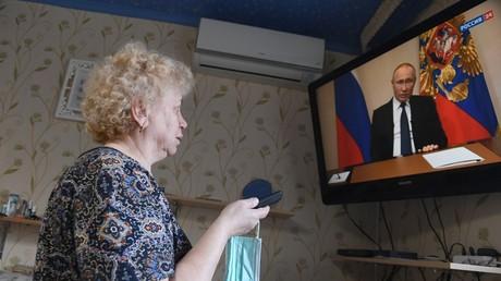 25.03.2020: Russlands Präsident Wladimir Putin erläutert bei einer Fernsehansprache die Maßnahmen gegen die Ausbreitung des Coronavirus