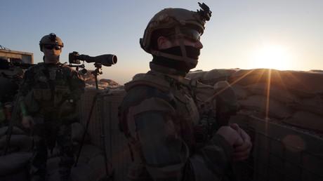 Französische Soldaten am Rande der Stadt Mosul, Irak, im Jahr 2017