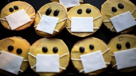 (Symbolbild). Nicht alle Unternehmer können die Krise mit Humor nehmen, so wie dieser Bäcker in Dortmund.