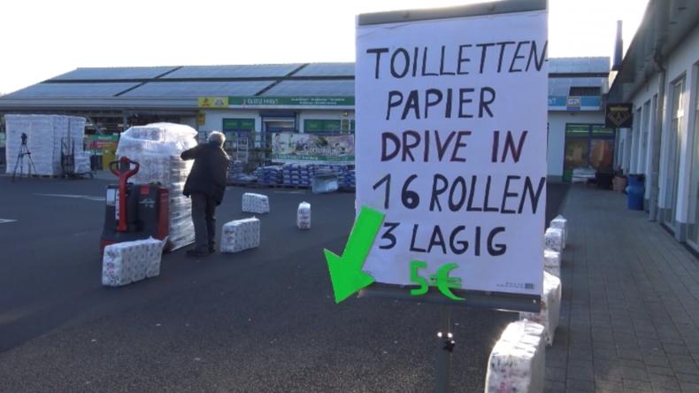 Hessen: Not macht erfinderisch – Filialleiter startet Drive-in für Toilettenpapier
