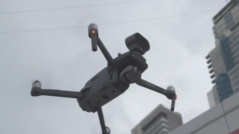 Kolumbien: Drohnen erinnern die Bürgerinmitten der COVID-19-Pandemie daran, zu Hause zu bleiben