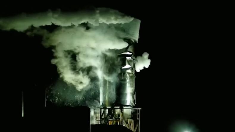 SpaceX: Dritter Prototyp explodiert bei Test in Texas – Elon Muskkommentiert das auf Russisch