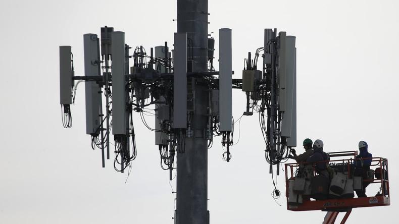 5G und Corona: Verschwörungstheoretiker zünden Mobilfunkmasten in Großbritannien an