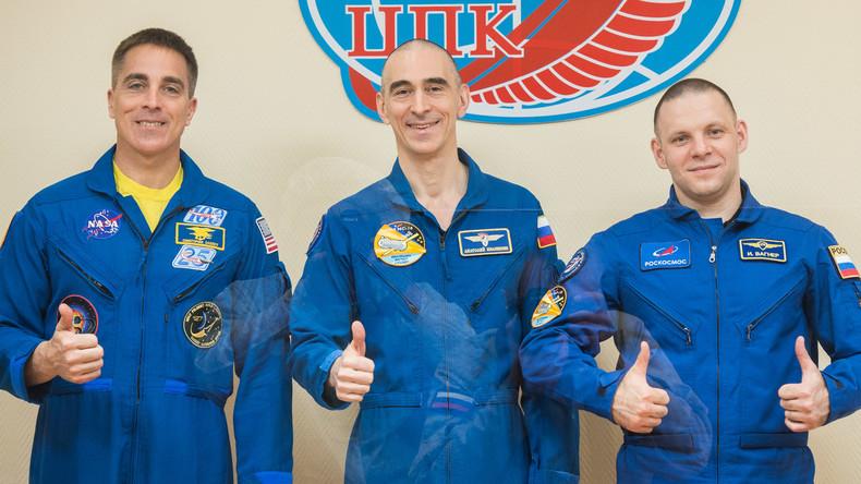 Drei Raumfahrer starten inmitten Corona-Pandemie zur ISS