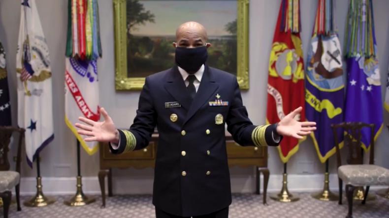 """""""It's that easy"""" – US Surgeon General zeigt, wie man eine Gesichtsmaske selbst herstellt"""