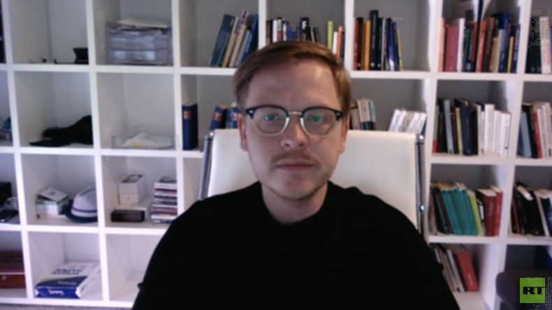 Philosoph Markus Gabriel: Tracking-Apps grenzen an Cyberdiktatur (Video)