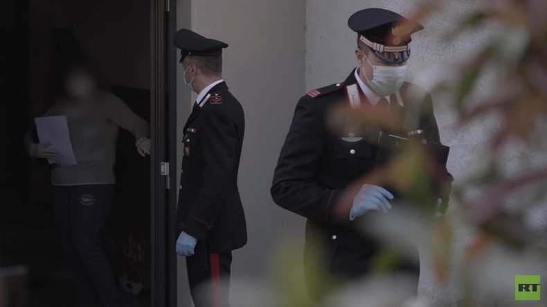 Italien: Polizei übergibt Angehörigen Urnen mit Asche verstorbener Corona-Patienten