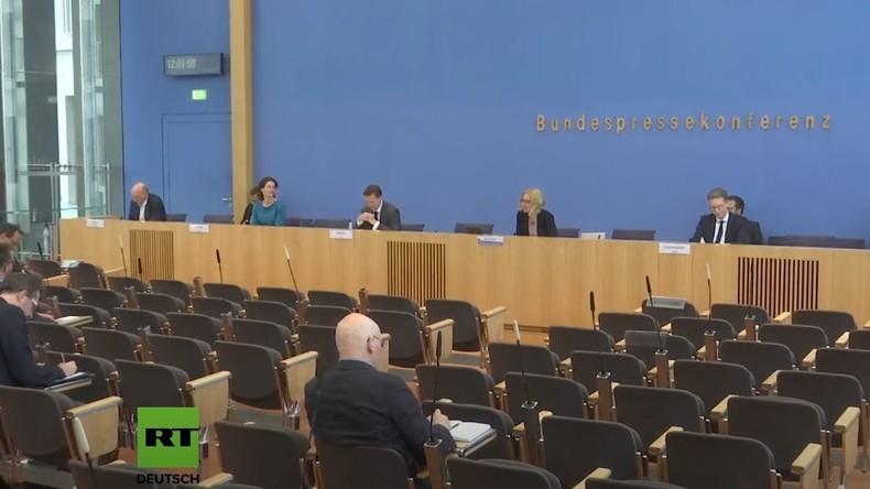LIVE: Bundespressekonferenz zur Corona-Krise