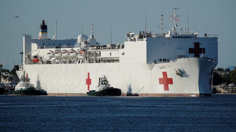 Mysteriöser COVID-19-Ausbruch an Bord: US-Marine evakuiert Besatzungsmitglieder von Lazarettschiff