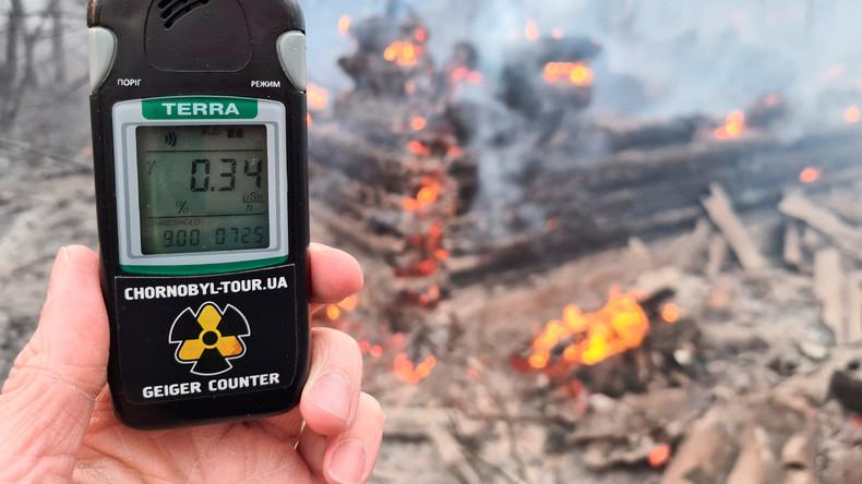 Waldbrände in Tschernobyl-Sperrzone zerstören 12 verlassene Dörfer und nähern sich Atommülllager