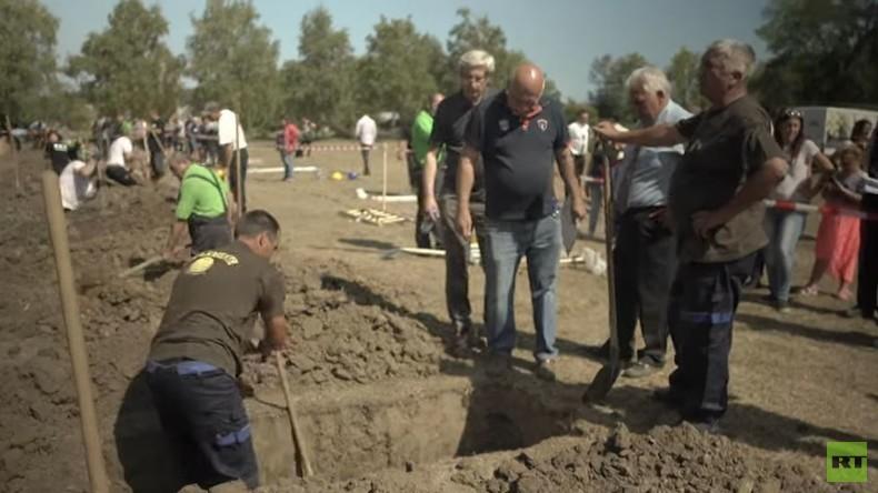 RT-Doku: Ungarische Grabspiele trotzen dem Tabu des Todes – Wettstreit um das beste Grab